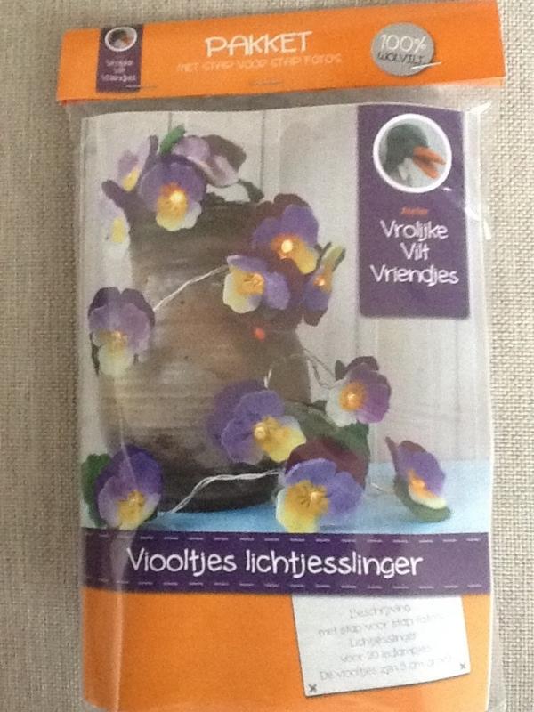 Viltpakket viooltjes lichtjesslinger
