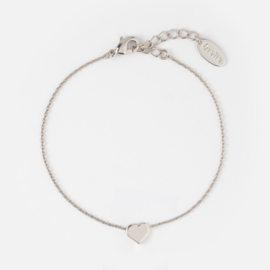 THREAD THROUGH HEART BRACELET