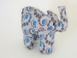 Grijze olifant, Stoffen decoratiedier