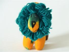 Gele leeuw, Stoffen decoratiedier