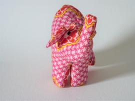 Roze olifant, Stoffen decoratiedier