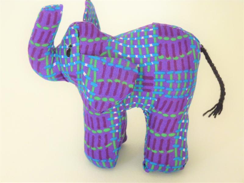 Paarse olifant, Stoffen decoratiedier