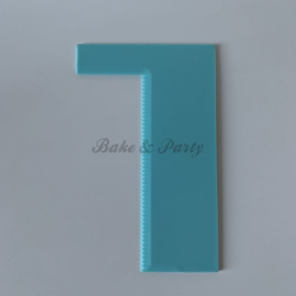 "Cake Shaper/Scraper ""Serrated"""