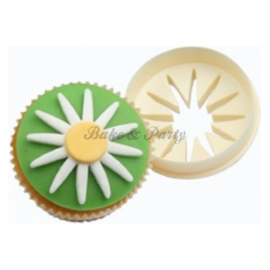 FMM  - Double Sided Cupcake Cutter Daisy/Circle