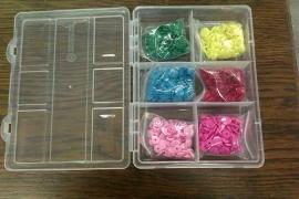 Kindersnaps kleine doos 6 kleuren 120 drukknoopjes (excl. tang)
