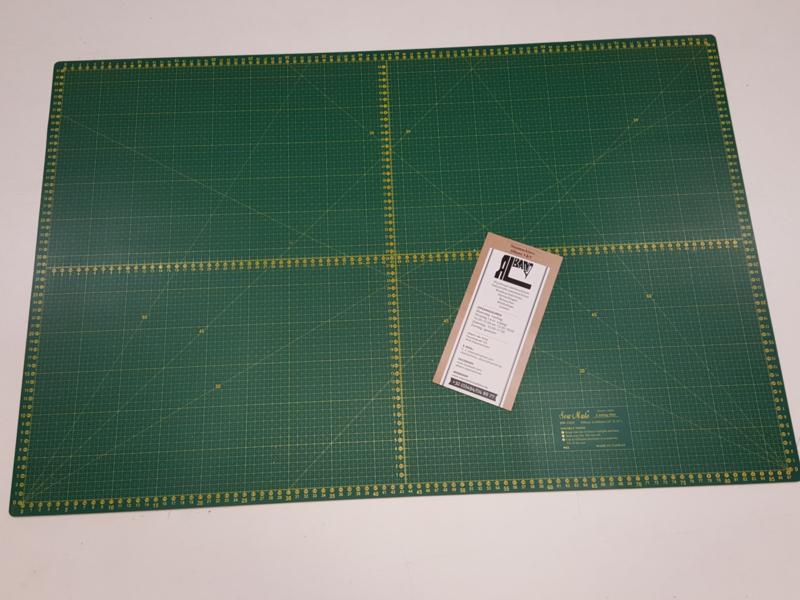 Sew mate cutting mat