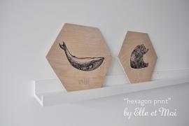 Maatwerk:  Hexagon - print op hout met naam | handgemaakt