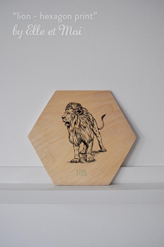Hexagon Lion - print op hout     handgemaakt