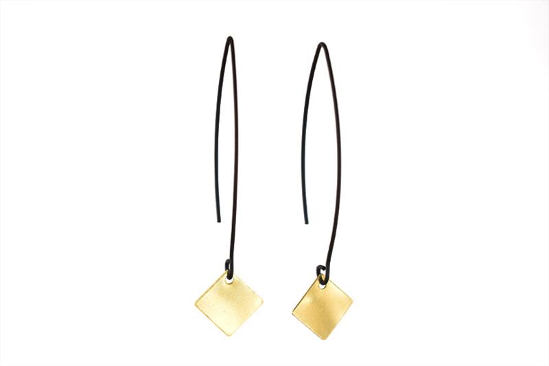 lange oorhangers Black & Gold 'square'