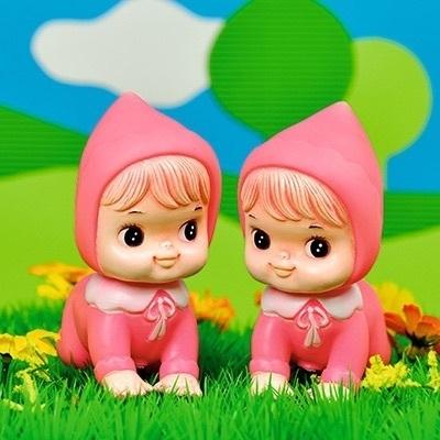 Wenskaart retro popjes meisjes tweeling