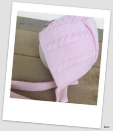 Frilo Swiss Made - Mutsje - Roze Touwtjes & Vlecht - Newborn 0-3 maanden