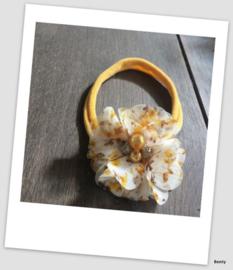 Benty haarbandje - Oker geel met print en pareltje