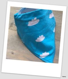 Sjaaltje / Slabber - Wolkjes - Blauw