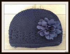 Mutsje Navy Blauw - Fluffy bloem Navy
