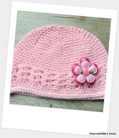 Babymutsje roze 4