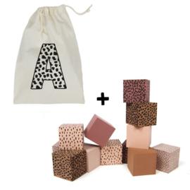 Foamblokken + bewaarzak roze inclusief voorletter