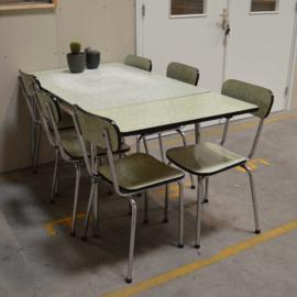 formicatafel met zes stoelen