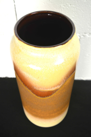 hoge bruine vaas