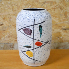 Vaas met vrolijk motief