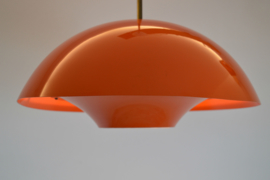 oranje metalen hanglamp