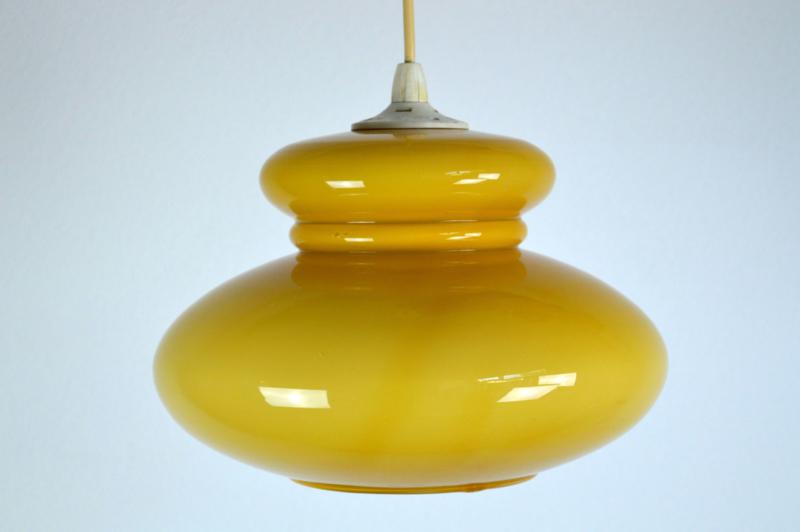 mosterdgele hanglamp