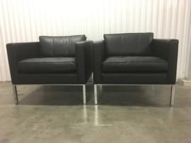 Artifort F905 fauteuils (2 stuks)