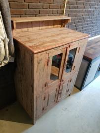 Oud houten voorraadkast uniek model!