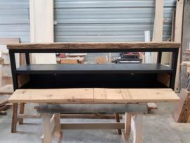TV meubel eiken wagonplanken met stalen onderstel en 2 kleppen