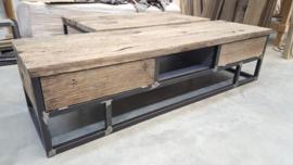 Tv meubel massief eiken wagon planken met stalen onderstel en 2 kleppen