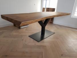 Eettafel met suar houten boomstamblad