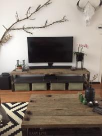 Tv meubel eiken wagonplanken met stalen tussenschap