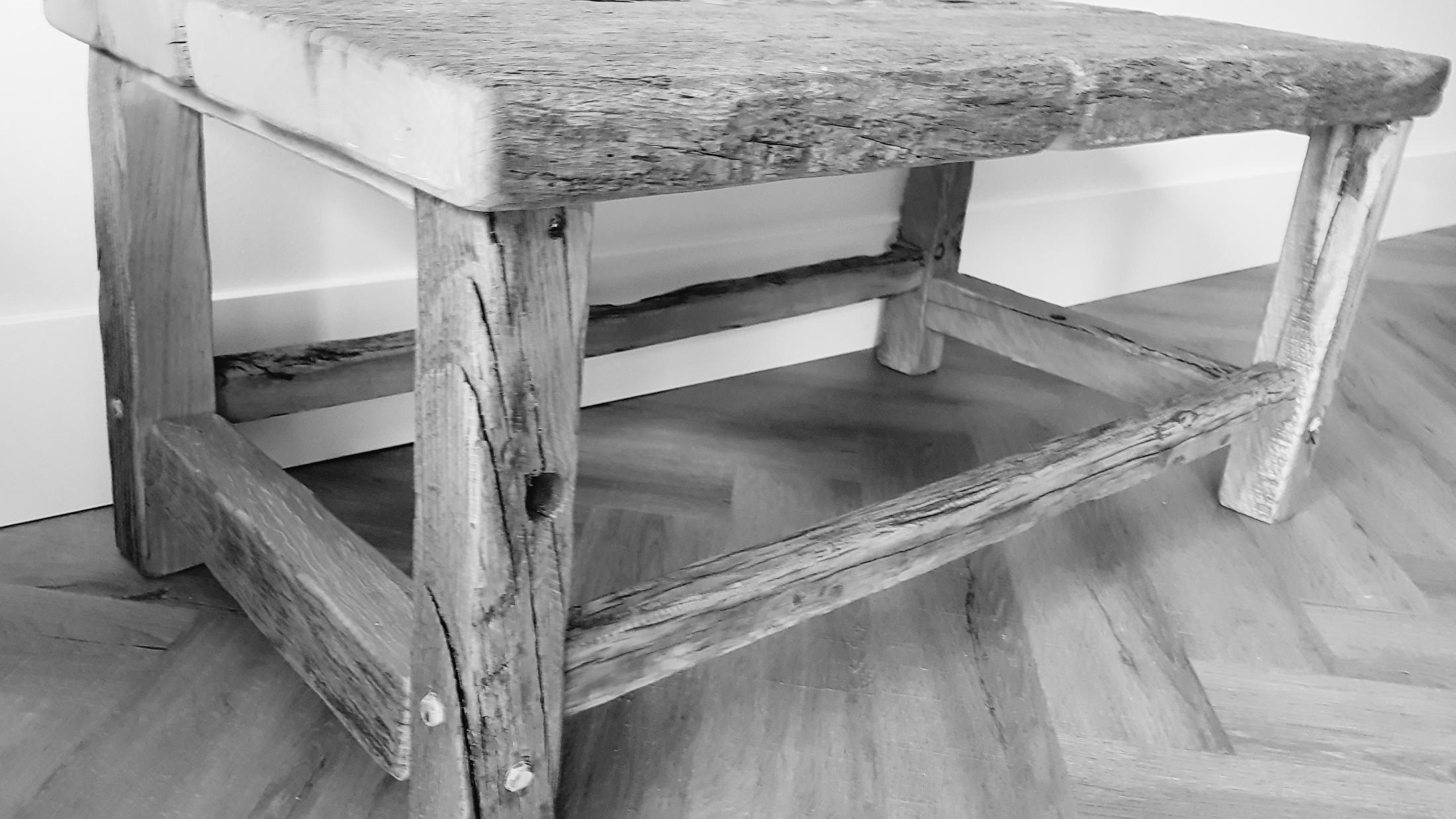 salontafel op maat van oud eiken wagonplanken