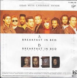UB 40 ft. Chrissie Hynde - Breakfast in bed