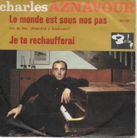 Charles Aznavour - Le monde est sous nos pas