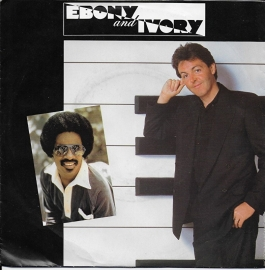 Paul McCartney & Stevie Wonder - Ebony and ivory