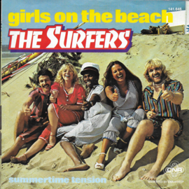 Surfers - Girls on the beach