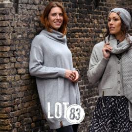 LOT83   Knitted fijn gebreide lange sweater   Britt Light Grey
