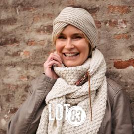 LOT83 | Gebreide Knitten Royale omslagdoek | sjaal Lot, Beige