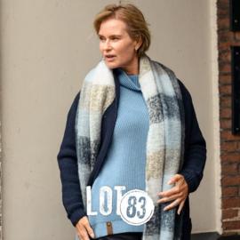 LOT83   Knitted Gebreide trui   Vera Light Blue