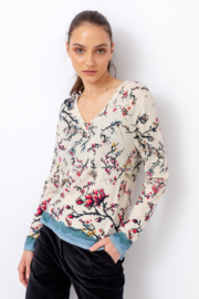 IVKO Woman - Printed Pullover Cherry Blossom Pattern Off-White