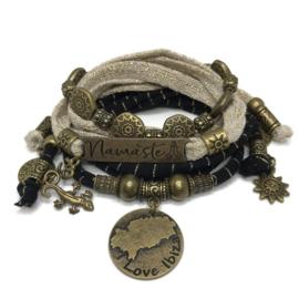 Set Namaste - Es Vedra - gold and black
