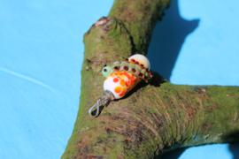Rups op wit/oranje kraal