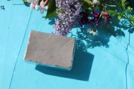grijs blok zeep
