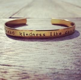 Armband spread kindness like confetti