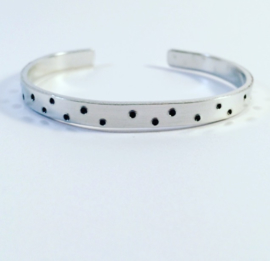 Stippen armband