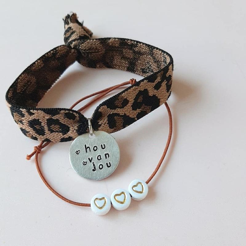 Eigen tekst bedel armband- luipaard en hartjes
