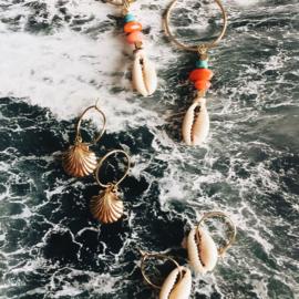 Oorbellen schelpje goud