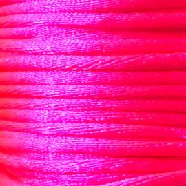 Satijnkoord 2,5mm Neon Roze cartierknoop