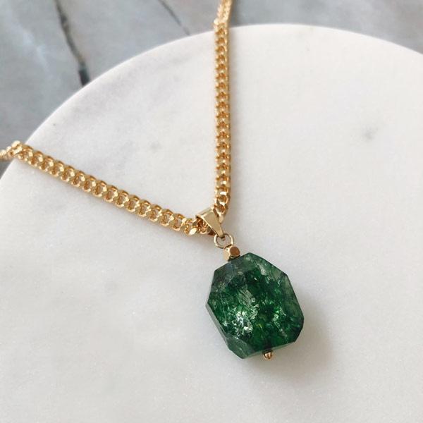 Birthstone Mei Emerald