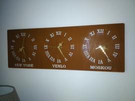 Wandklok-New York-Venlo-Moskou 900 x 320 mm